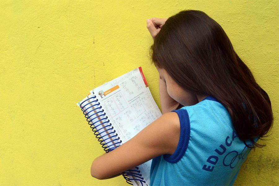 Atitude pode levar até a evasão escolar, já que criança não se sente inserida no ambiente / Divulgação