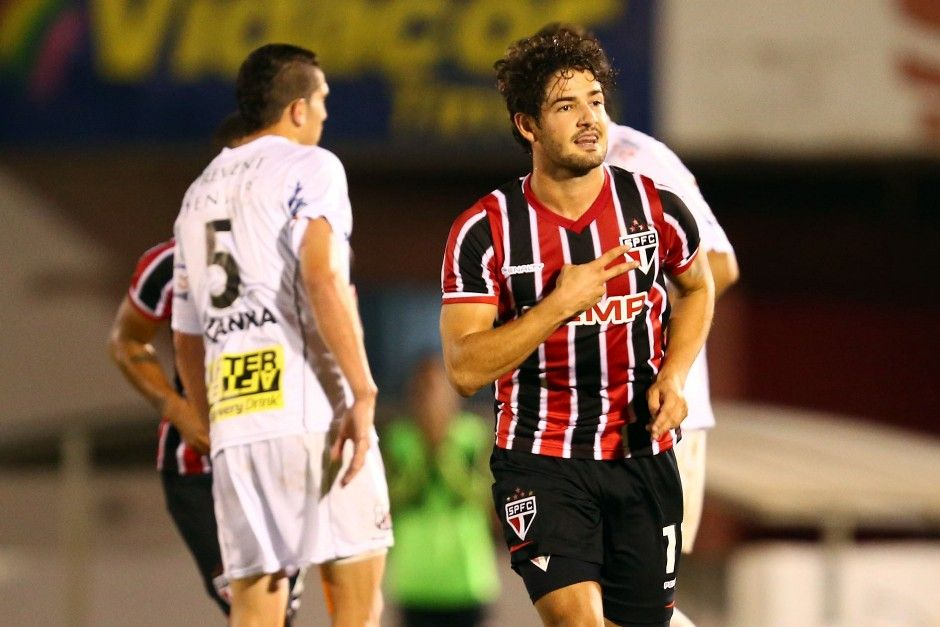 Pato comemora o gol que garantiu a vitória do Tricolor / Thiago Calil/Photo Press/Folhapress