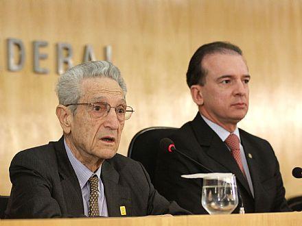 Plínio participa de sabatina na OAB ao lado do presidente do órgão, Ophir Cavalcante