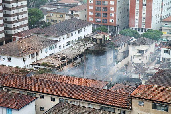 Local da queda do jato de Eduardo Campos / Futura Press/Folhapress