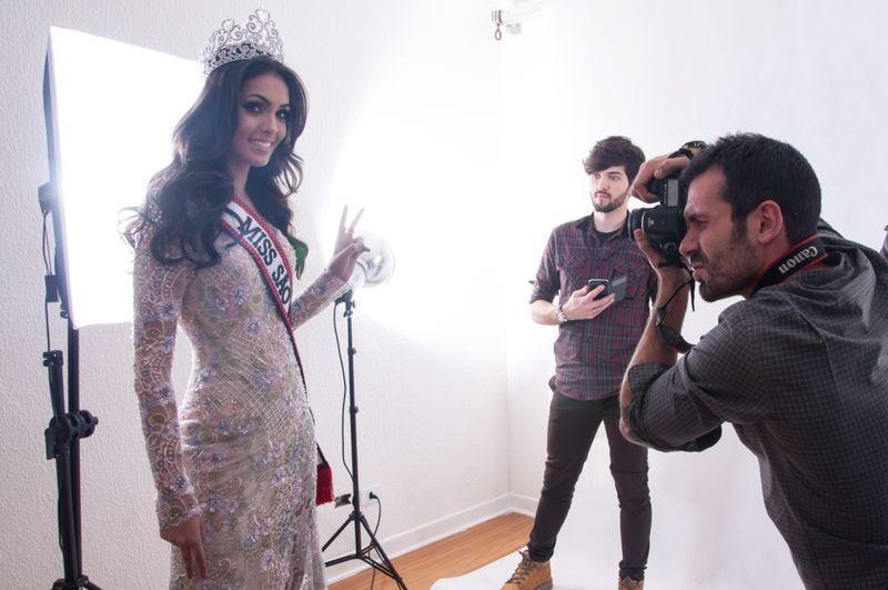Fernanda Leme nos bastidores do ensaio oficial como Miss São Paulo
