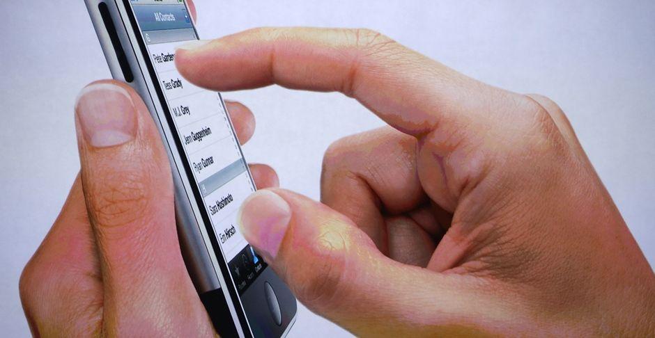 Apple é acusada de mentir sobre aparelhos - Notícias - Mundo - Band.com.br