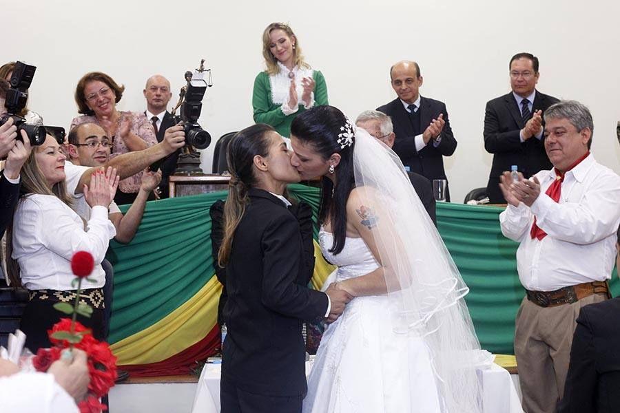 Casamento Coletivo Com Casal Gay Realizado Not Cias Cidades