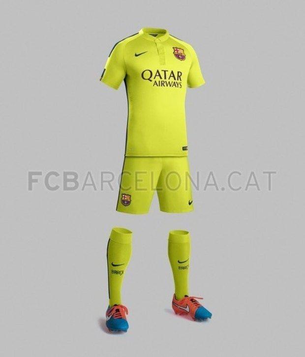 ... Imagem O Barcelona revelou fotos do seu novo terceiro uniforme para a temporada  2014 2015 do futebol europeu. A camisa tem um tom verde fluorescente ... eabc0eac79678