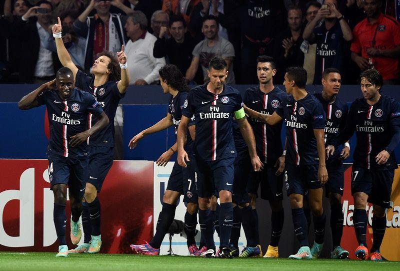 David Luiz inaugura placar na vitória do PSG sobre Barcelona / Franck Fife/AFP