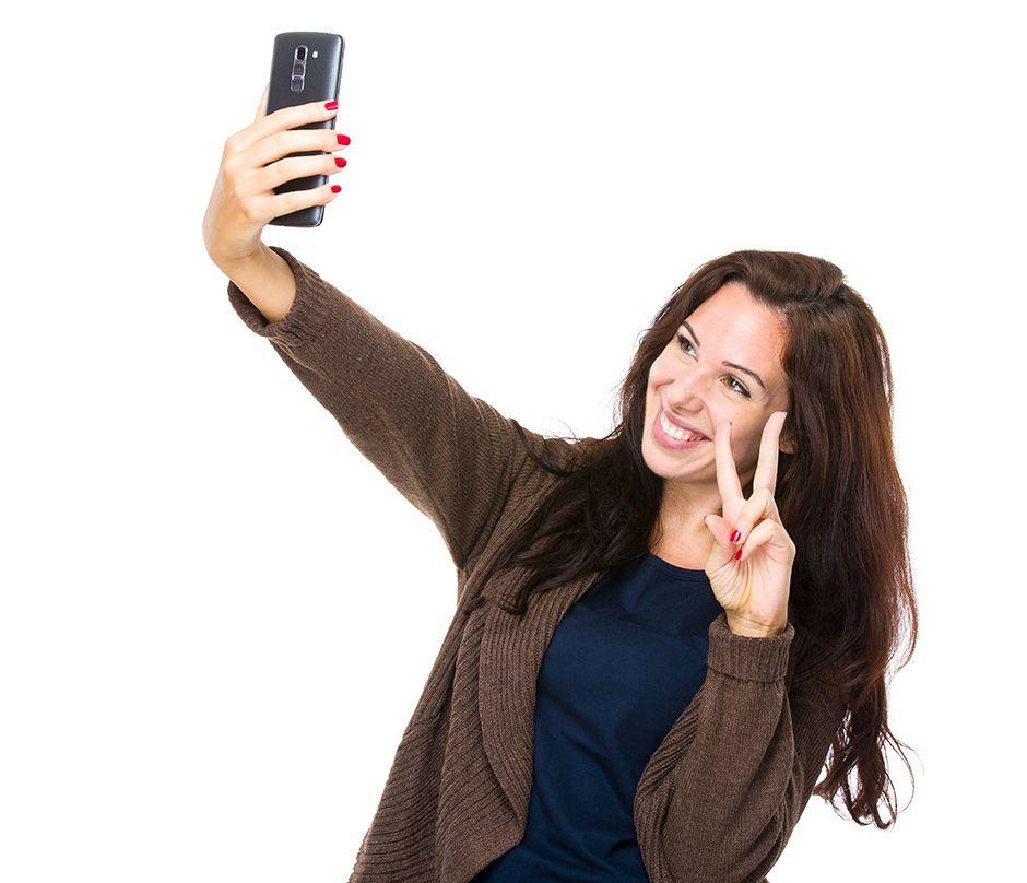 Selfie é expressamente proibido na cabine de votação / Shutterstock