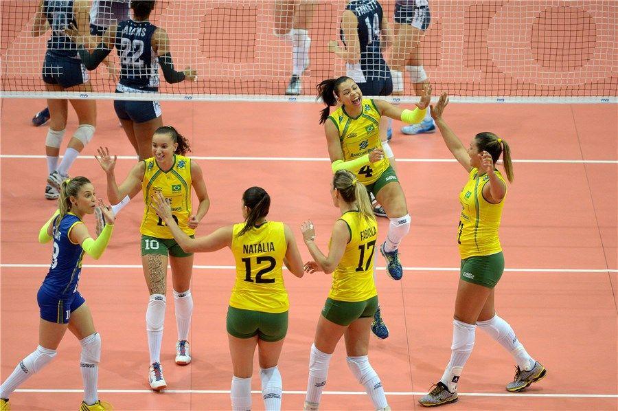 Seleção Brasileira superou a americana por 3 a 0 / Divulgação/CBV
