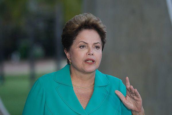 Dilma Rousseff durante coletiva em Brasília / Alan Marques/Folhapress