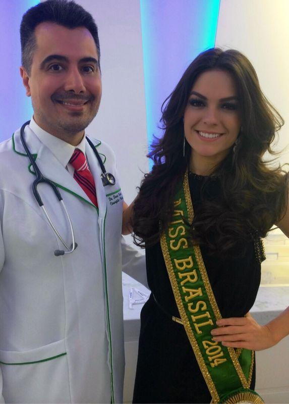 Melissa Gurgel e o cirurgi�o pl�stico Denis Valente