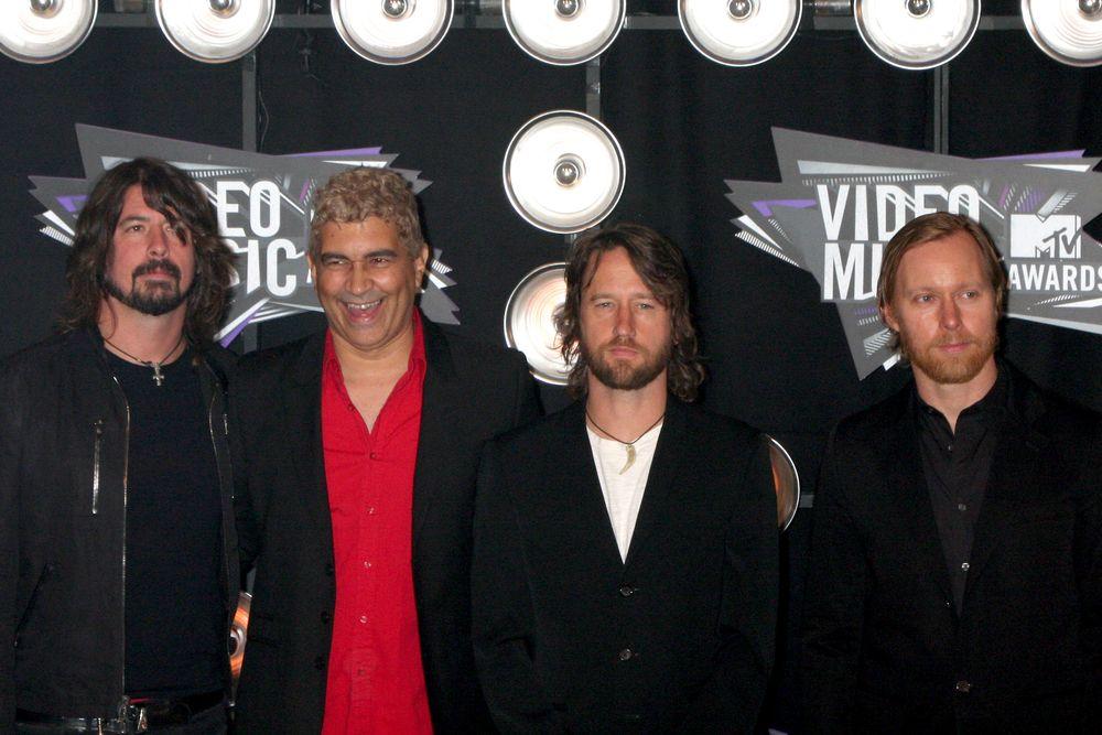 Após vídeo com mil fãs, Foo Fighters promete show na Itália