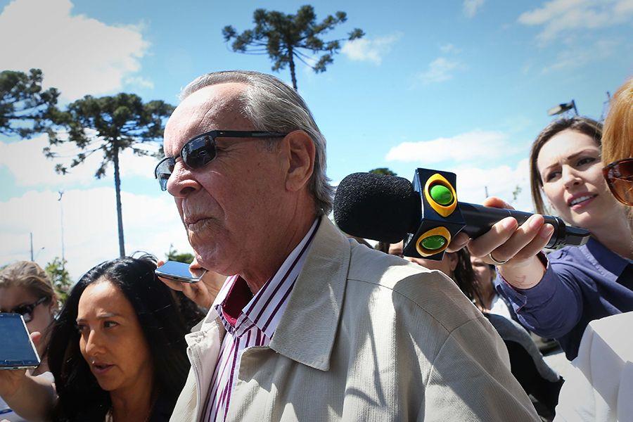 Negromonte Filho chegou acompanhado de advogadas e não quis falar com a imprensa / Zanone Fraissat/Folhapress