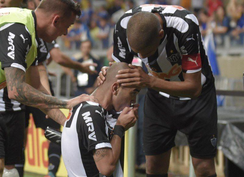 Tardelli marcou o gol da vitória por 1 a 0 / Douglas Magno/AFP