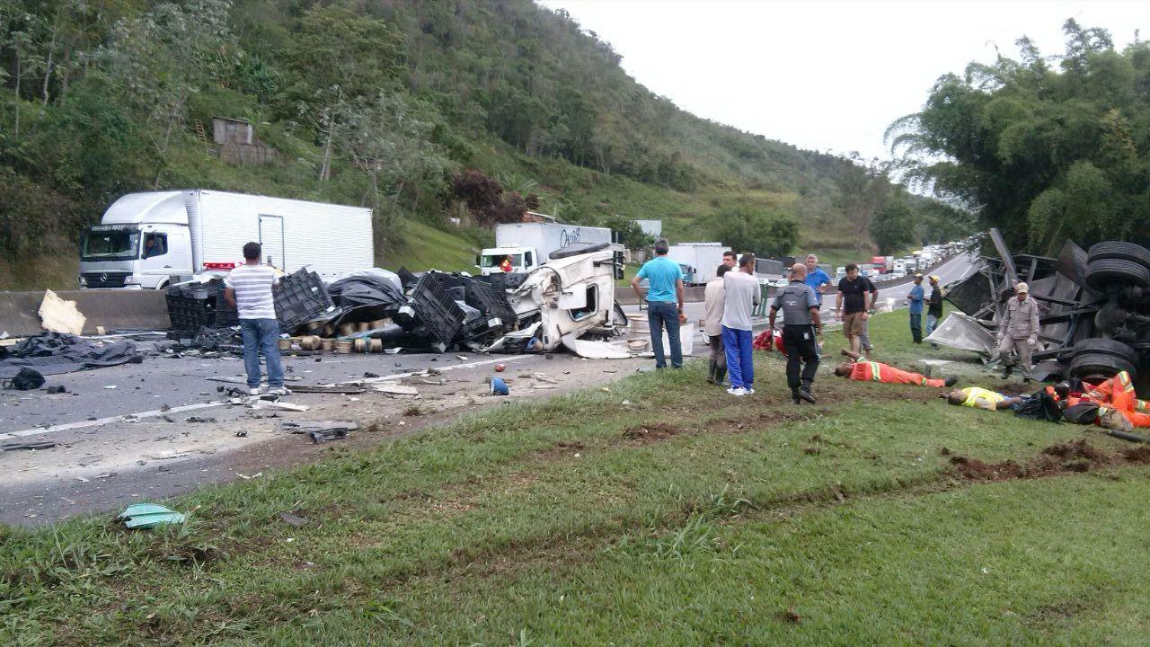 Acidentes com caminhões foram um dos motivos da proibição / Reprodução