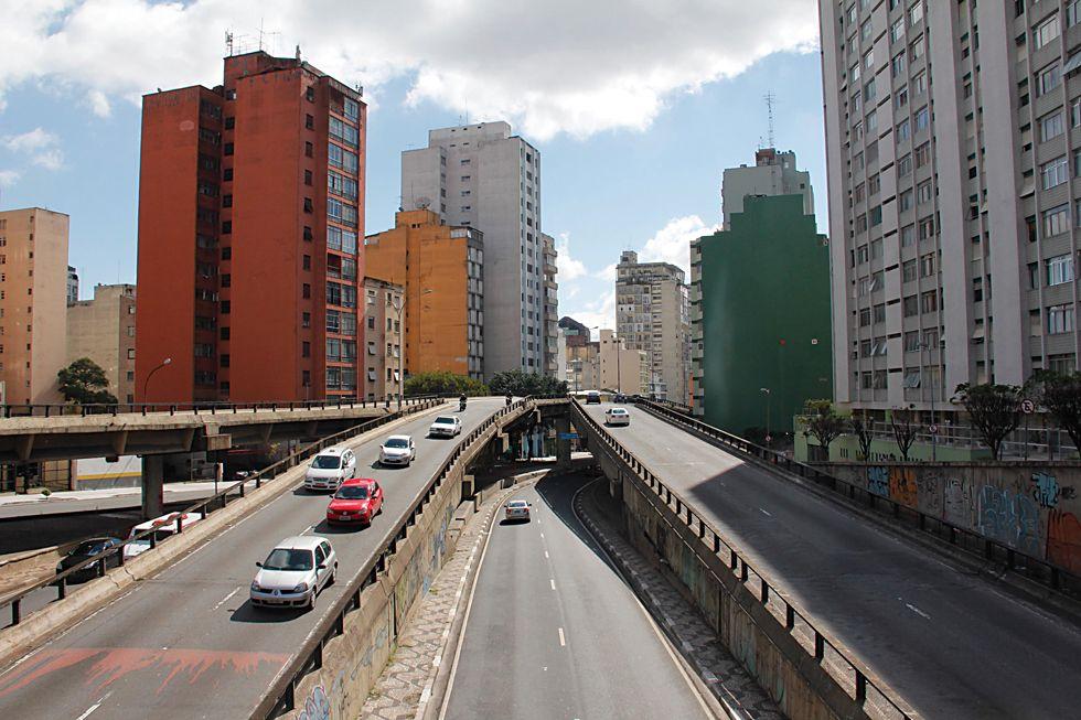 Atualmente o Minhocão é interditado aos domingos e nos dias de semana a partir das 21h30 / Diogo Moreira/Frame/Folhapress