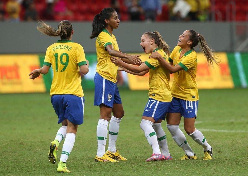 Jogadoras do Brasil vão a campo neste domingo / Bruno Domingos/Mowa Press