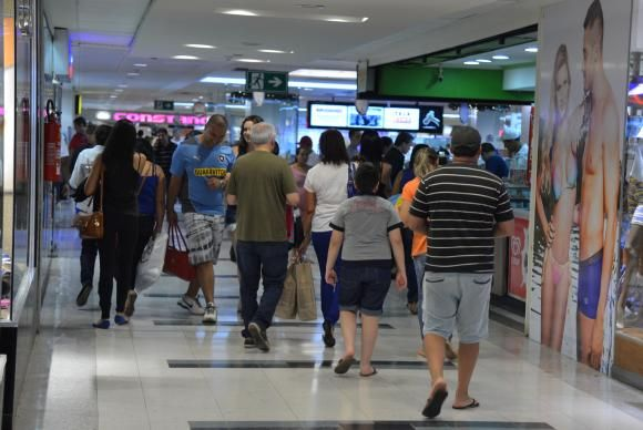 SP: Lojistas veem queda de 8% nas vendas no Dia das Mães