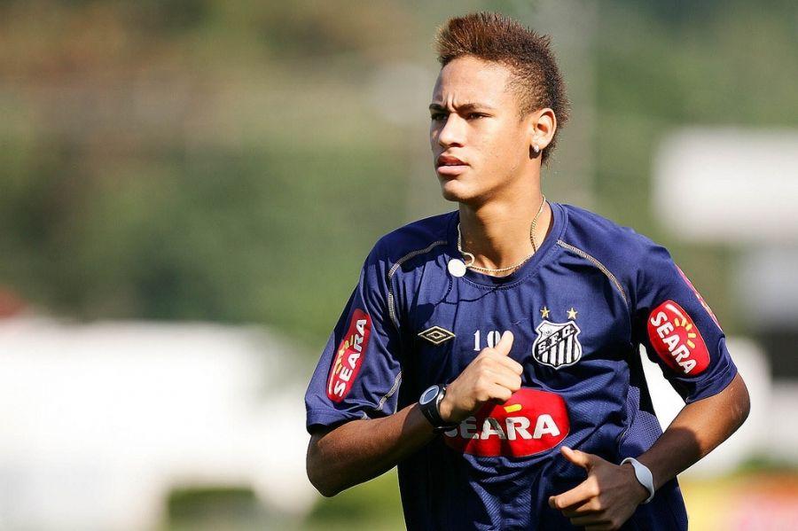 Fãs desejam ver o moicano de Neymar.