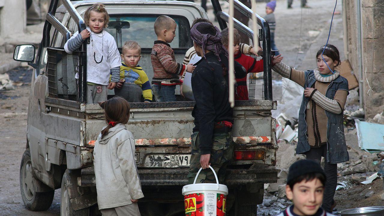 Desse número, 12 mil são crianças, vítimas de uma sangrenta guerra civil no país  / Zein Al-Rifai/AFP