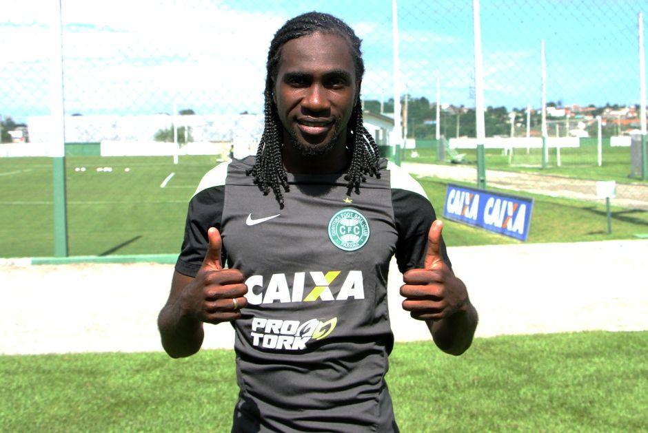 Negueba já está treinando com o grupo coxa-branca / Divulgação/Coritiba