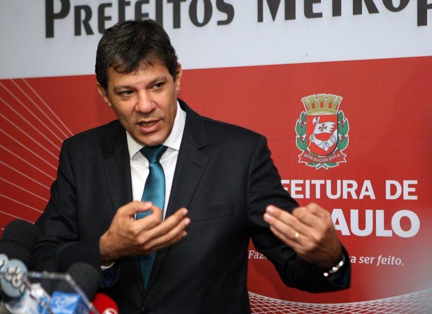 Haddad é o segundo dirigente de uma capital a ir à Justiça para resolver a questão / Luiz Carlos Murauskas/Folhapress