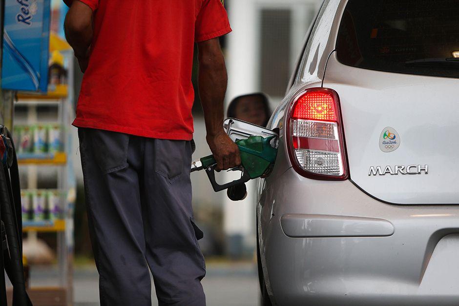 Preço da gasolina subiu, em média, 8,5% nos postos  / Zanone Fraissat/Folhapress