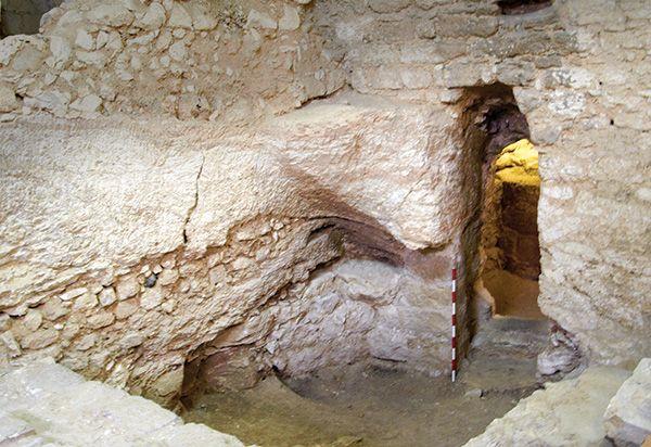 Foto do que restou da suposta casa em que Jesus cresceu / Ken Dark/Reprodução/Biblical Archaeological Review