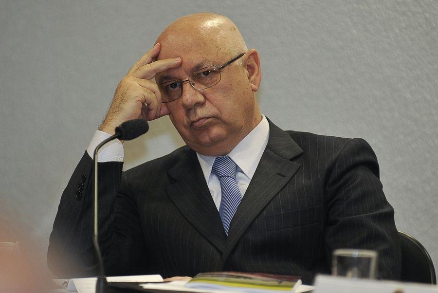 Ministro está impressionado com a operação / José Cruz / ABr