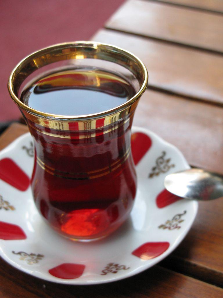 Tradicional chá turco / Henri Bergius/Flickr