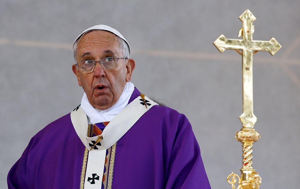 Papa pediu que a dignidade das pessoas fique ao centro de qualquer debate político e técnico / Stefano Rellandini/Reuters/Arquivo