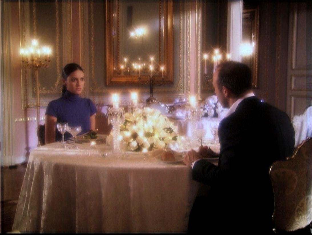 Onur pide Scheherazade en el matrimonio / Handout / Banda