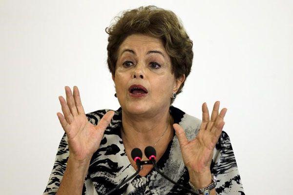 Pesquisa aponta que 64% acreditam que Dilma sabia de corrupção na Petrobras / Ueslei Marcelino / Reuters