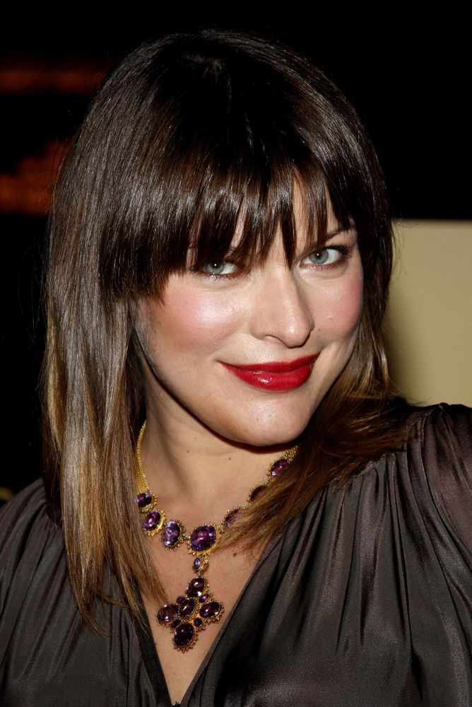 Milla Jovovich já tem uma filha de 7 anos / Tinseltown/Shutterstock.com