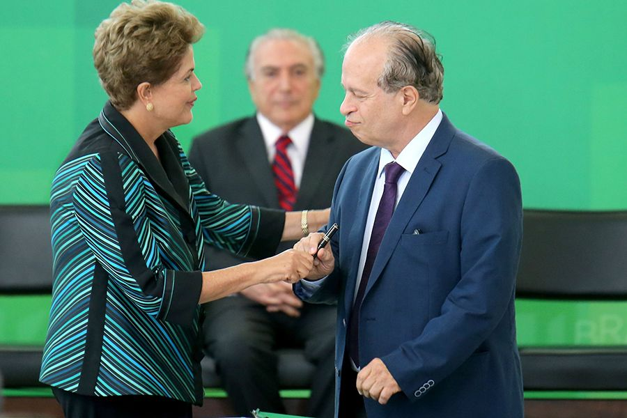 Posse do novo ministro da Educação ocorreu na manhã desta segunda-feira / Sérgio Lima/Folhapress