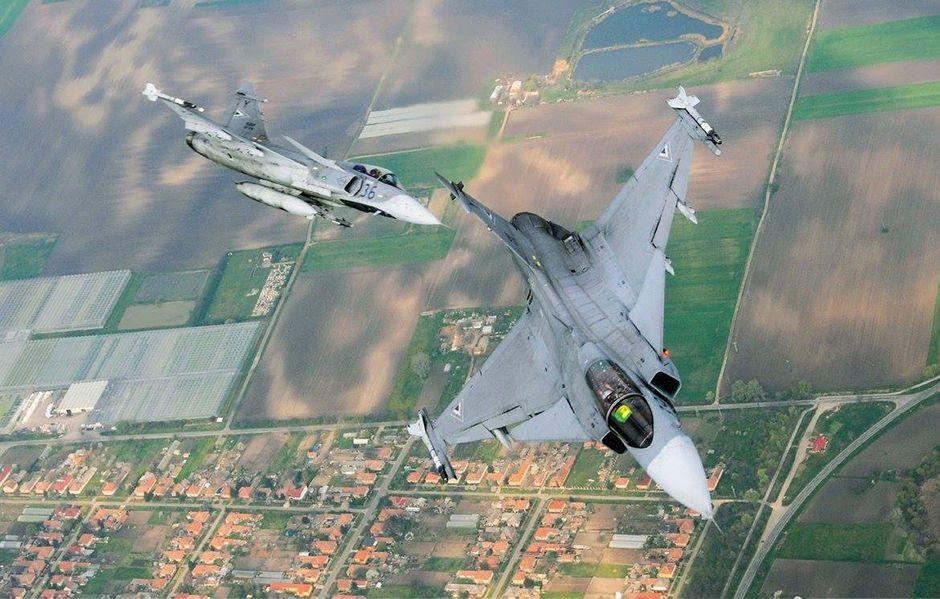 Caças do modelo Gripen, iguais aos adquiridos pelo governo Brasileiro / Reprodução/Facebook