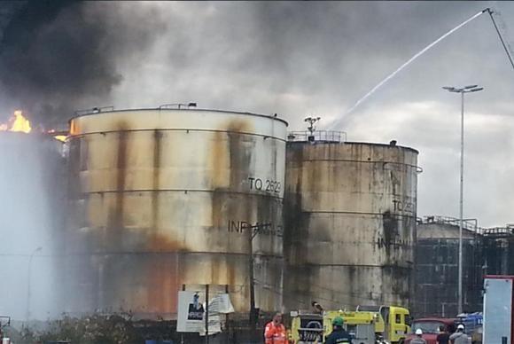 O incêndio na região do porto de Santos começou no dia 2 de abril / divulgação/Corpo de Bombeiros