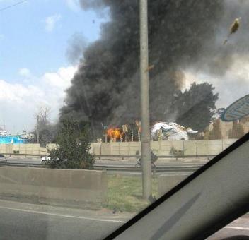 Incêndio atingiu terreno que fica do outro lado do Sambódromo / BandNews FM