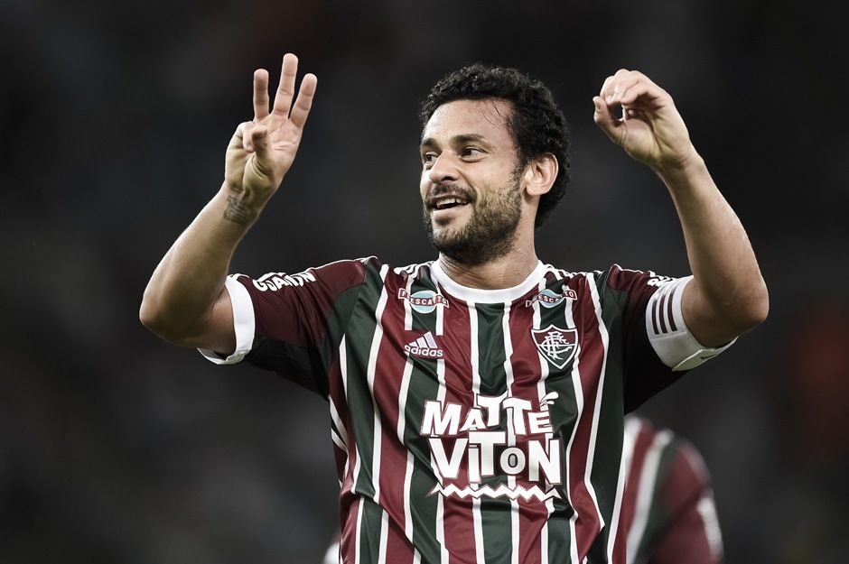 Fred faz o gesto em alusão ao número 300 em seu primeiro gol - Jorge Rodrigues/Eleven/Folhapress