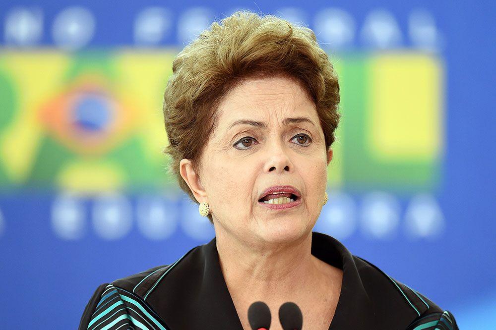 Dilma emite nota sobre morte de Paulo Brossard / Evaristo Sa/AFP