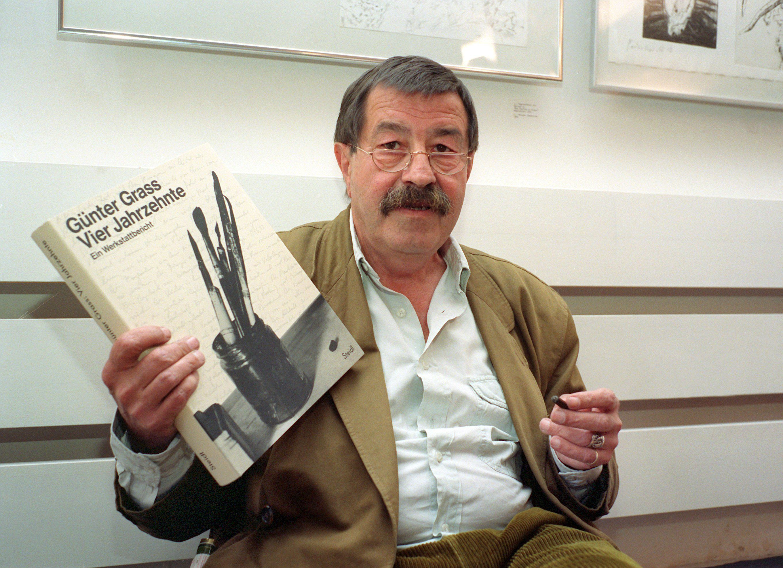Escritor morreu em uma clínica, aos 87 anos / Werner Baum/DPA/AFP