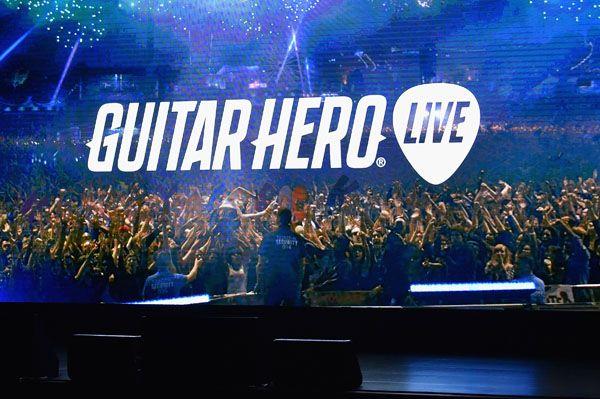 Jogo utilizará novo modelo de guitarra e jogador terá visão em primeira pessoa / Larry Busacca / AFP