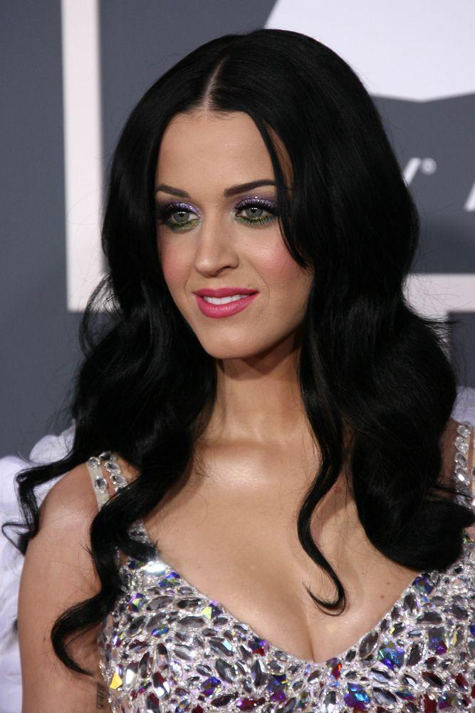 Katy Perry  desabafou no Twitter contra jornal / s_bukley/Shutterstock.com