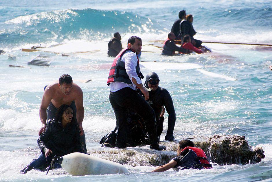 Novo naufrágio no Mediterrâneo deixa pelo menos 20 mortos / Argiris Mantikos/Eurokinissi/AFP