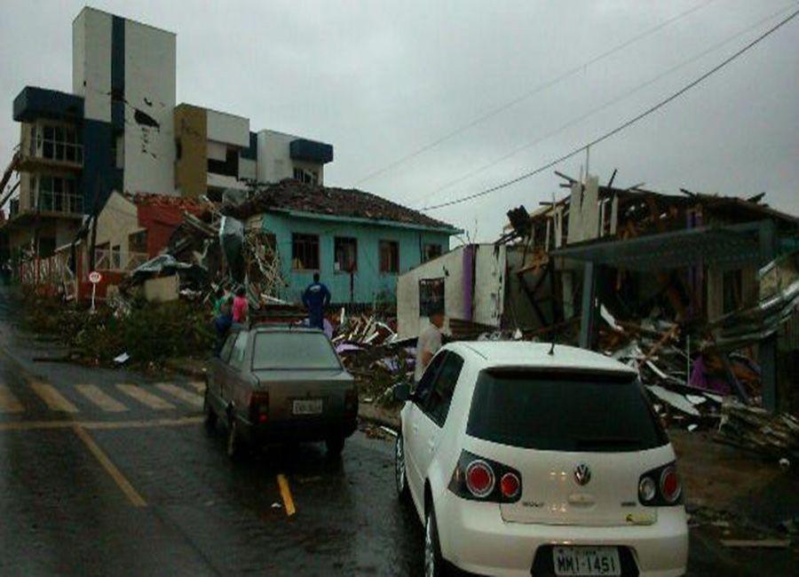 Município ficou destruído após tornado / Divulgação/Defesa Civil de Santa Catarina