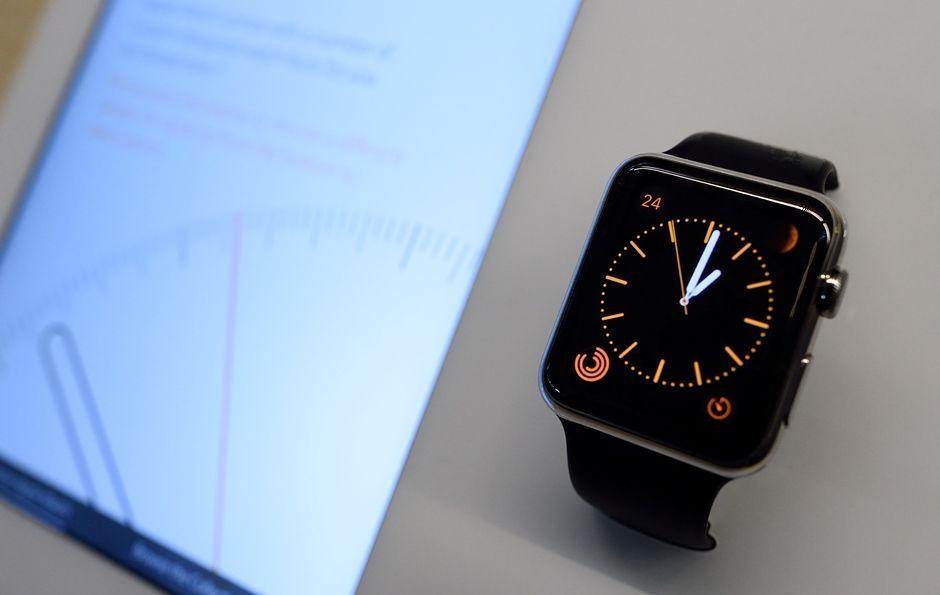 Apple Watch pode ser utilizado conjuntamente com iPhone 5 e 6 / DON EMMERT / AFP