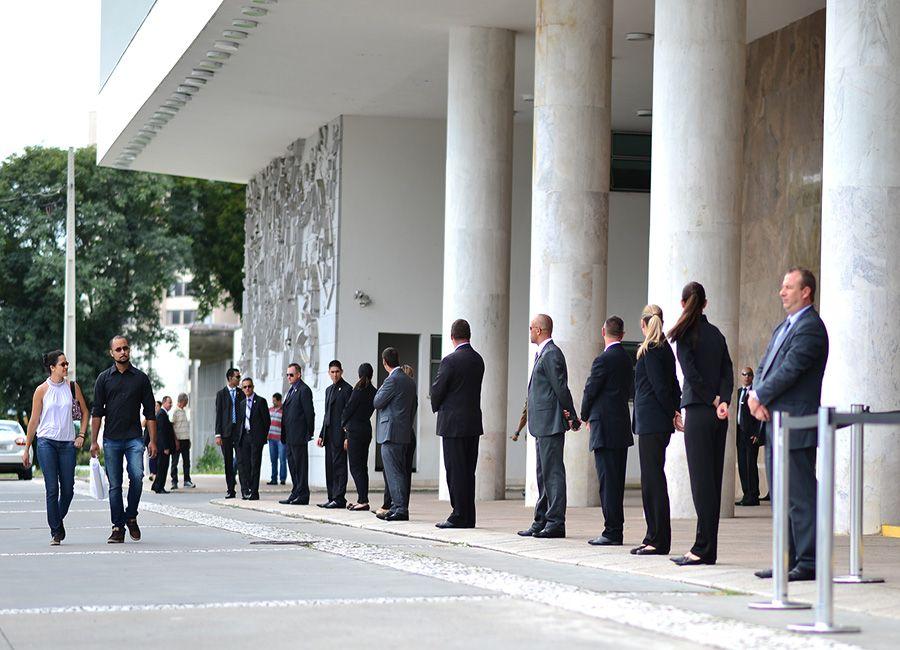 Assembleia Legislativa do Paraná será cercada com um cordão de isolamento para votar projetos / Fernando Monteiro/Frame/Folhapress
