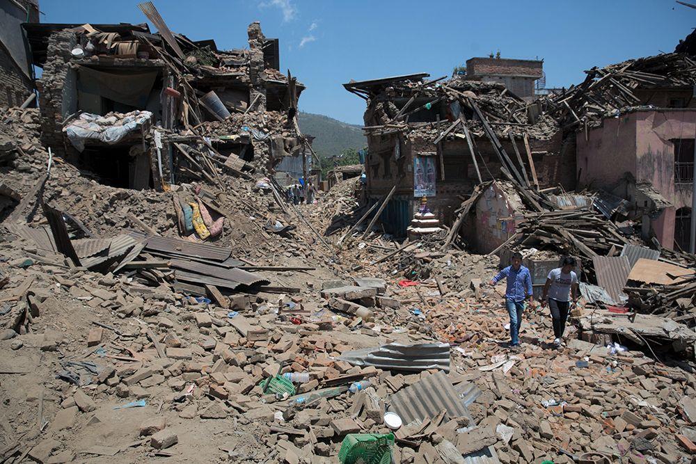 Deslizamentos de terra dificultam chegada de socorro à região / Menahem Kahana/AFP