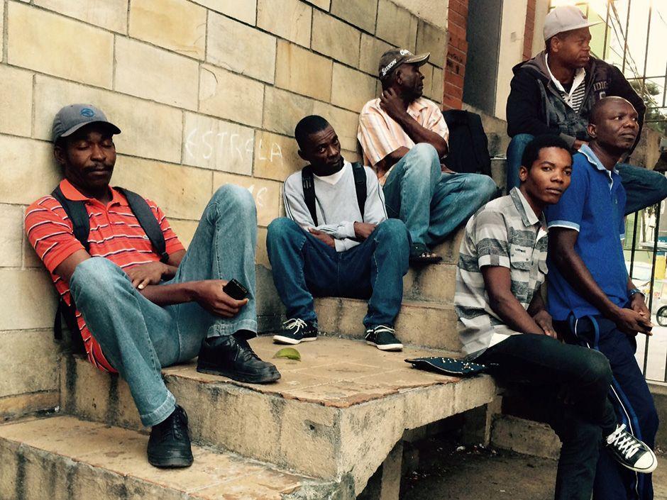 Amigos haitianos reunidos no Centro de São Paulo / Caetano Cury/Rádio Bandeirantes