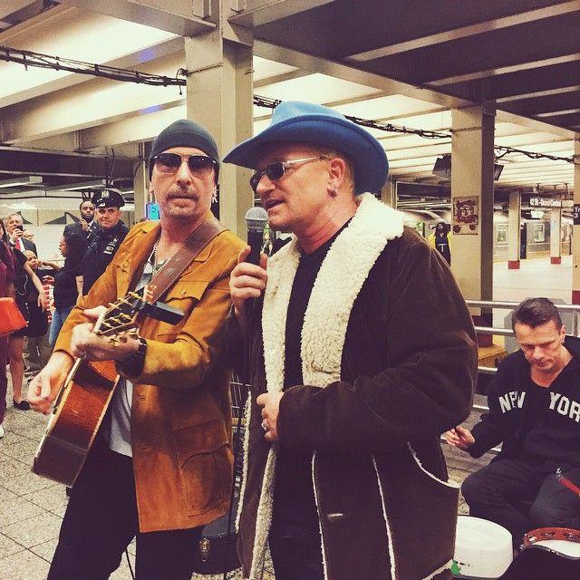 Bono Vox faz show surpresa no metrô / Divulgação/Instagram