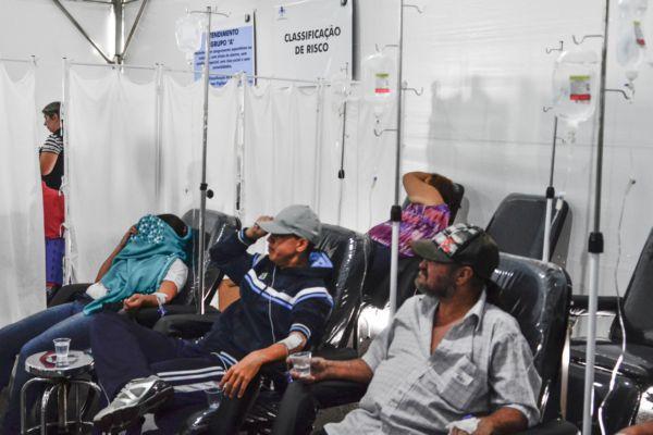 Oito mortes por dengue já foram confirmadas na capital paulista / Nilton Cardin / Folhapress