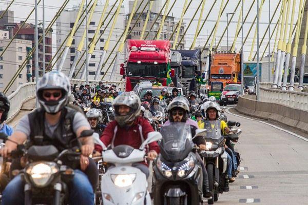 Em 2014, 16 mil motociclistas morreram no trânsito / Dário Oliveira / Codigo19 / Folhapress